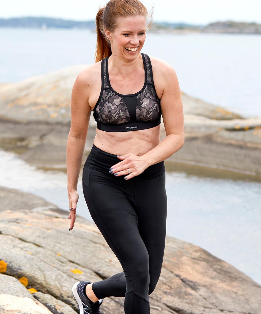 Maritha Thorell i rosa sport-bh swegmark